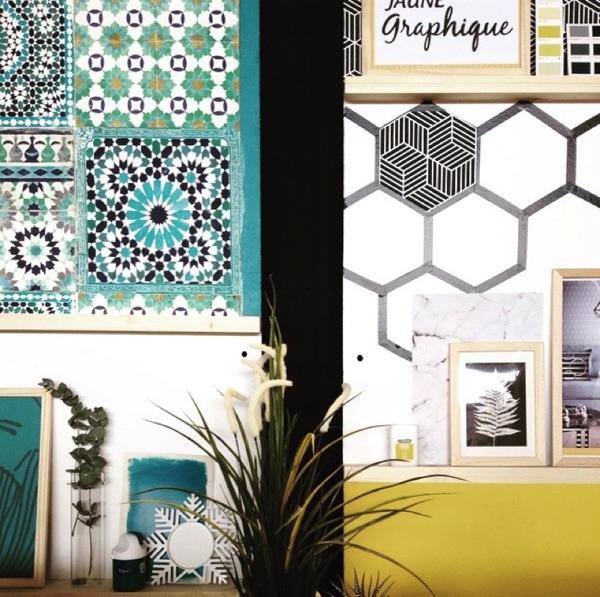 Panneaux d'inspiration jaune graphique et bleu canard par Angèle Ethuin Designer d'intérieur & Coloriste
