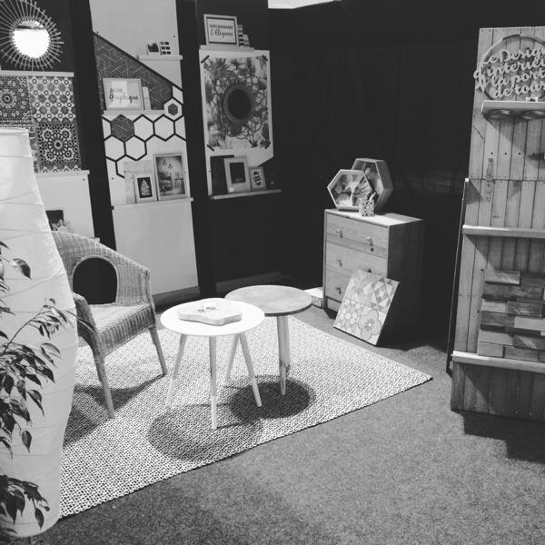Stand en cours d'installation par Angèle Ethuin Designer d'intérieur & Coloriste
