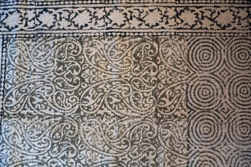 Longère-Angèle-Ethuin-designer-interieur-coloriste-projet-cosy-motif-tapis